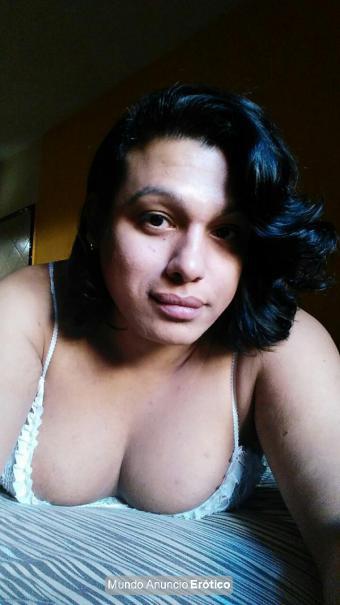 Fotos de Travesti reina de la mamada garganta profunda hasta la última gota