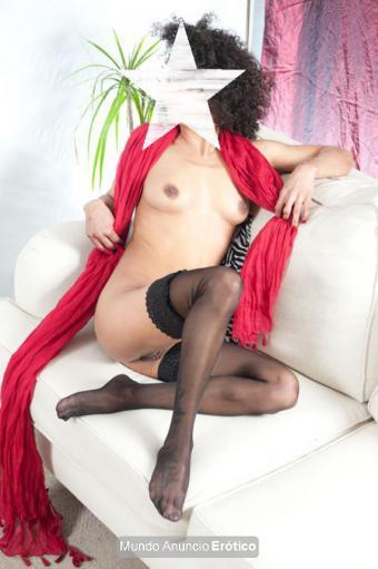 Fotos de Puta pequeña lencería y pies bonitos SOL 679115125